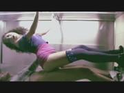 Melody Petite cogiendo rico en el elevador