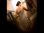 Camara oculta: Mi cuñada en el baño!