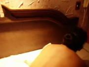 Cogiendo un culito aceitado y cachondo