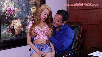 Janeth Rubio buscaba trabajo y termina cogiendo con su nuevo jefe