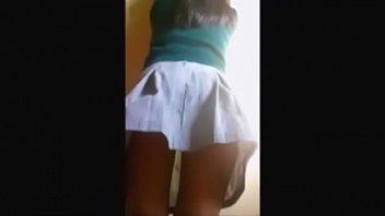Lolita colegiala graba video xxx cogiendo con su tio (incesto)