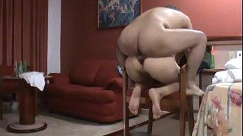 Sexo anal en la silla a la maestra de mi hijo