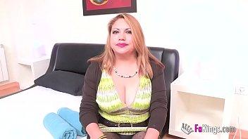 Peruana es infiel al marido con hombres que conoce por internet