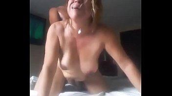 Madura sufre cuando se la meten por el culo, YA NO MAS!