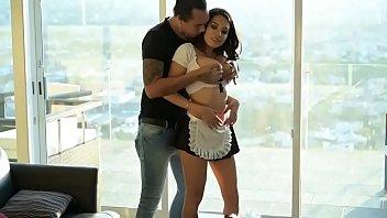Empleada domestica mexicana termina cojida por su jefe